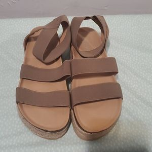 Forever women sandals size 8